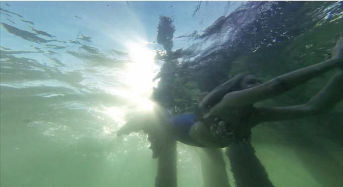 Mermaid-Under-Water-Photo-Shoot-in-a-Neoprene-Tail---glitterinc.com