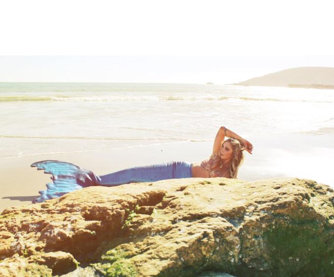 Mermaid-Whitney---neoprene-tail-shoot--beach---glitterinc.com