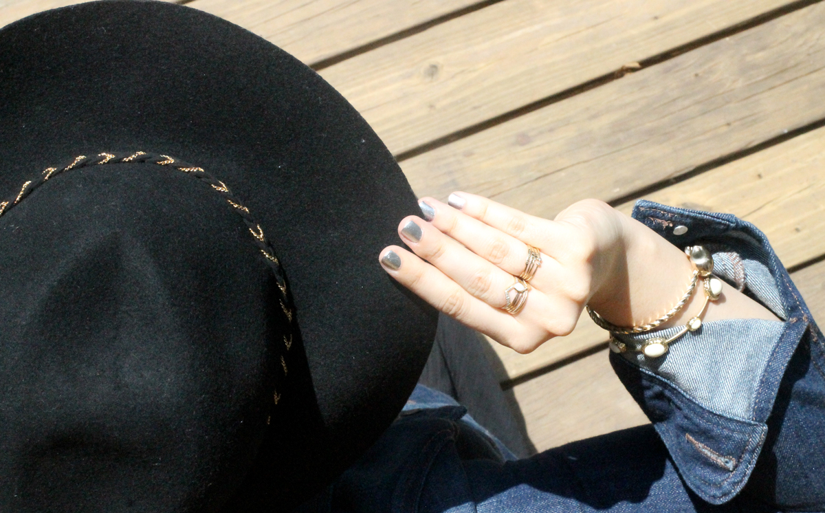 Target-Style---Summer-Shimmer---hat---glitterinc.com