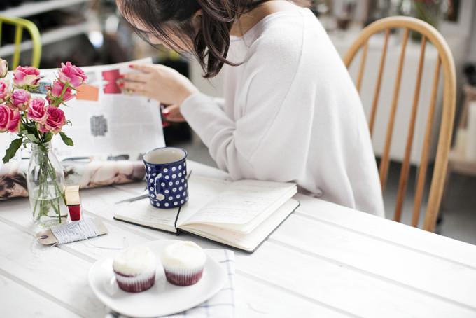 breakfast brunch table flowers book cupcakes weekend