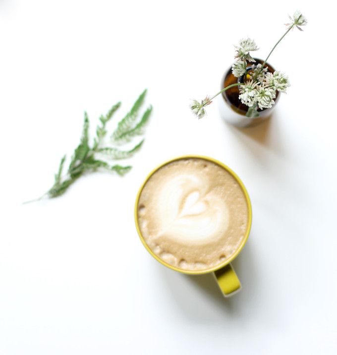 counter-culture-coffee-durham-north-carolina--latte-and-flowers---glitterinc.com