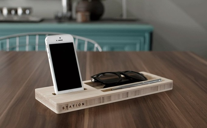 iskelter-classic-station-dock-phone-glasses