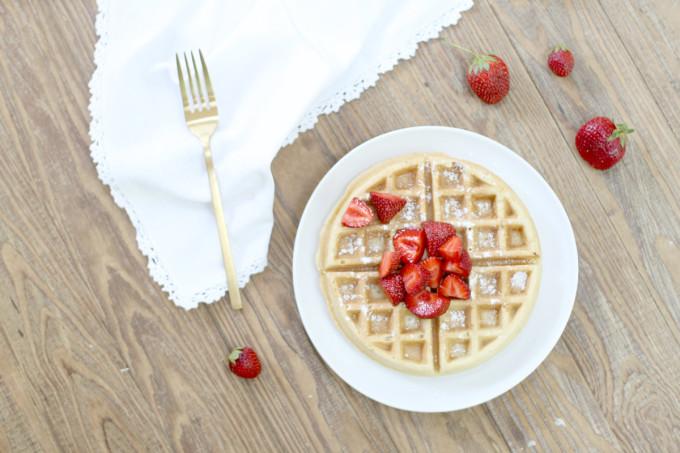 strawberries-waffle---breakfast---glitterinc.com