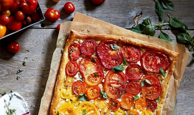 Heirloom Tomato, Feta & Thyme Pastry Pizza flatbread