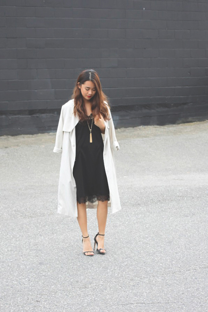slip-dress-trench-coat-long-gold-necklace-strappy-sandals
