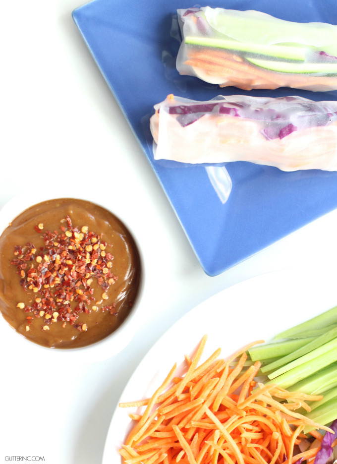 vegetable spring rolls with spicy peanut sauce
