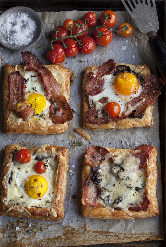 22 Favorite Ways to Use Puff Pastry: Bacon and Egg Breakfast Brunch Puff Pastry Pies / Tarts