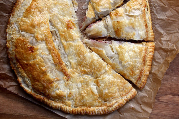 22 Favorite Ways to Use Puff Pastry: Ham and Cheese Puff Pastry Pie