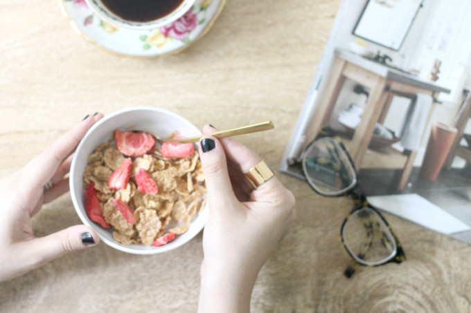 Busy Mom Confessions: Why Eating Breakfast is so Important (Special K Red Berries Cereal is my fave!) | glitterinc.com