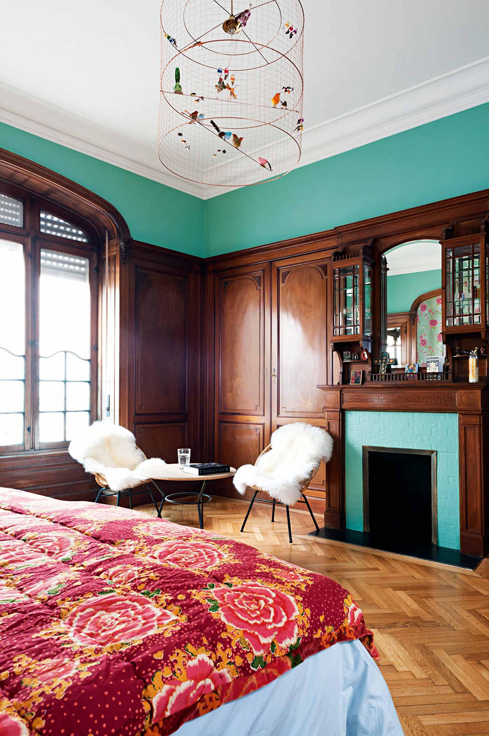 french-apartment-bedroom