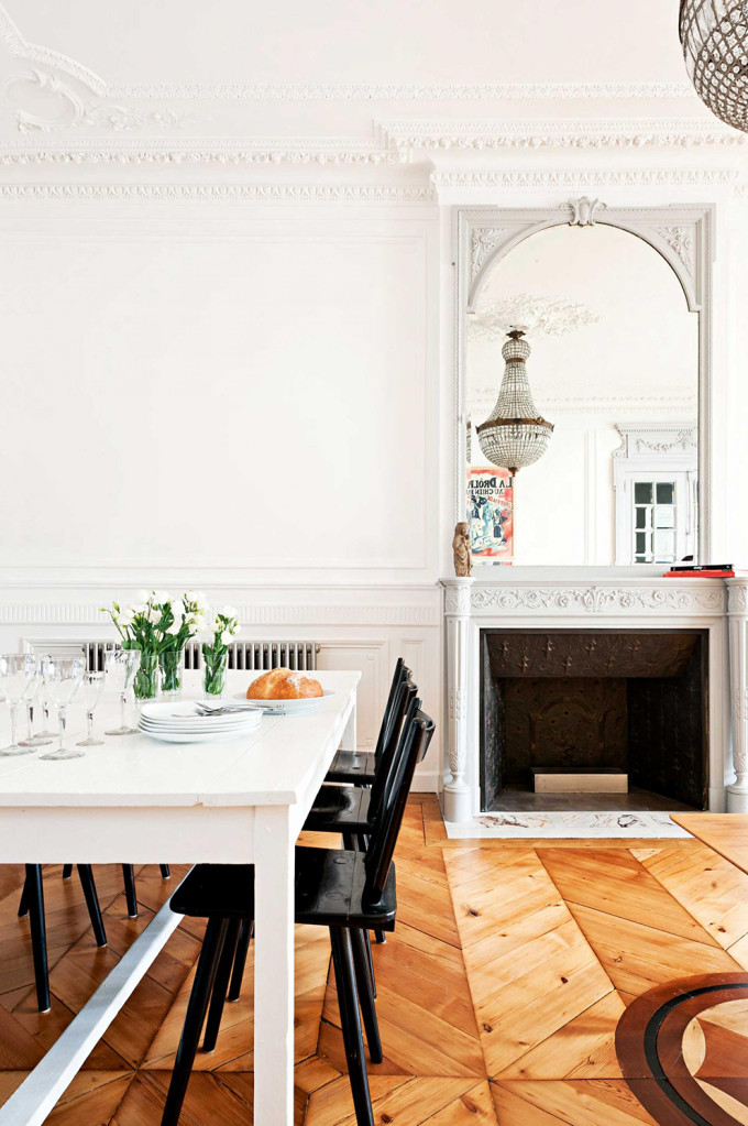 french-apartment-crown-molding-fireplace