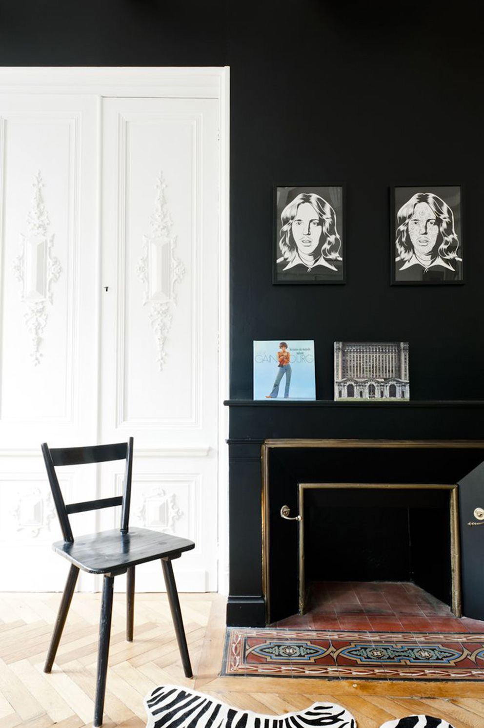 french-apartment=art-crown-molding
