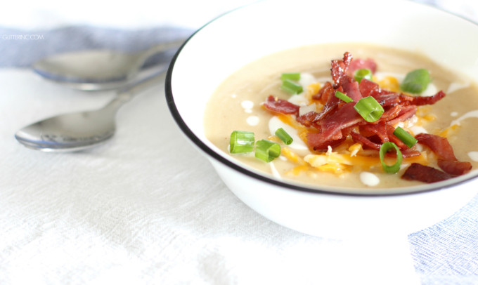 Guys, forget Loaded Baked Potato Soup; Healthy Loaded Cauliflower Soup is where it's at! | Click through for the details. | glitterinc.com | @glitterinc
