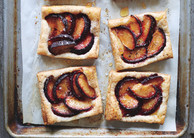 22 Favorite Ways to Use Puff Pastry: plum tarts with honey