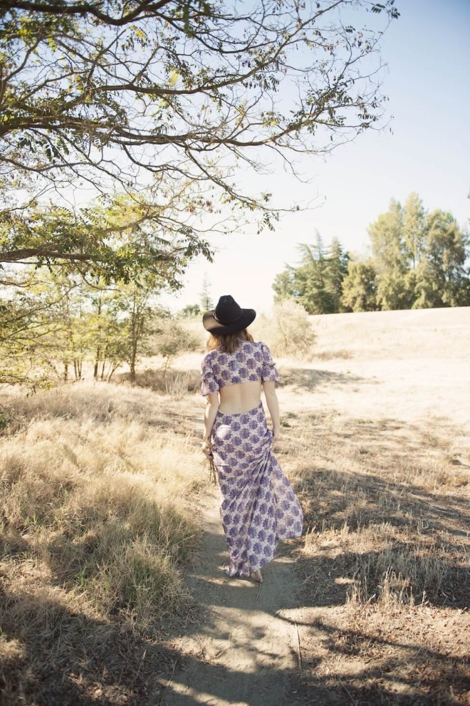 The end of Summer - Strolling Outside in a Love and Lemons Maxi Dress