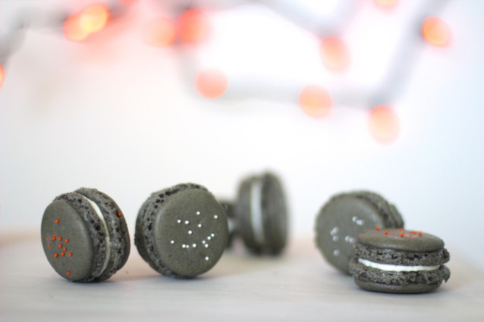 How to Make Oreo Macarons 7 (Perfect for Halloween!)