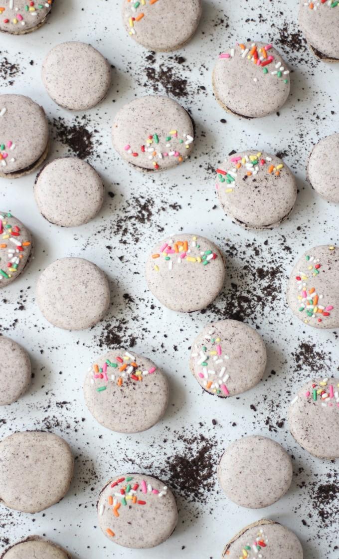How to Make Oreo Macarons with Sprinkles