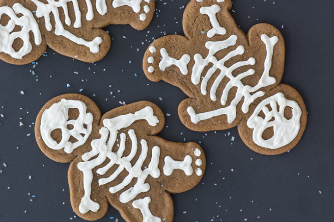 gingerdead gingerbread skeleton cookies