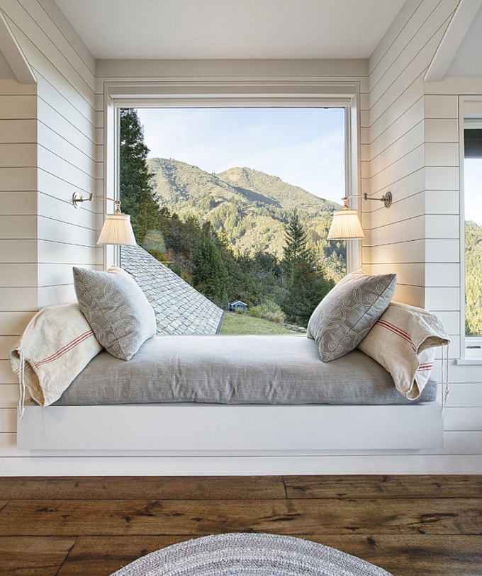 Interior Design Dreaming: The Daybed (plus so many more gorgeous options!) - Daybed with a Mountain View
