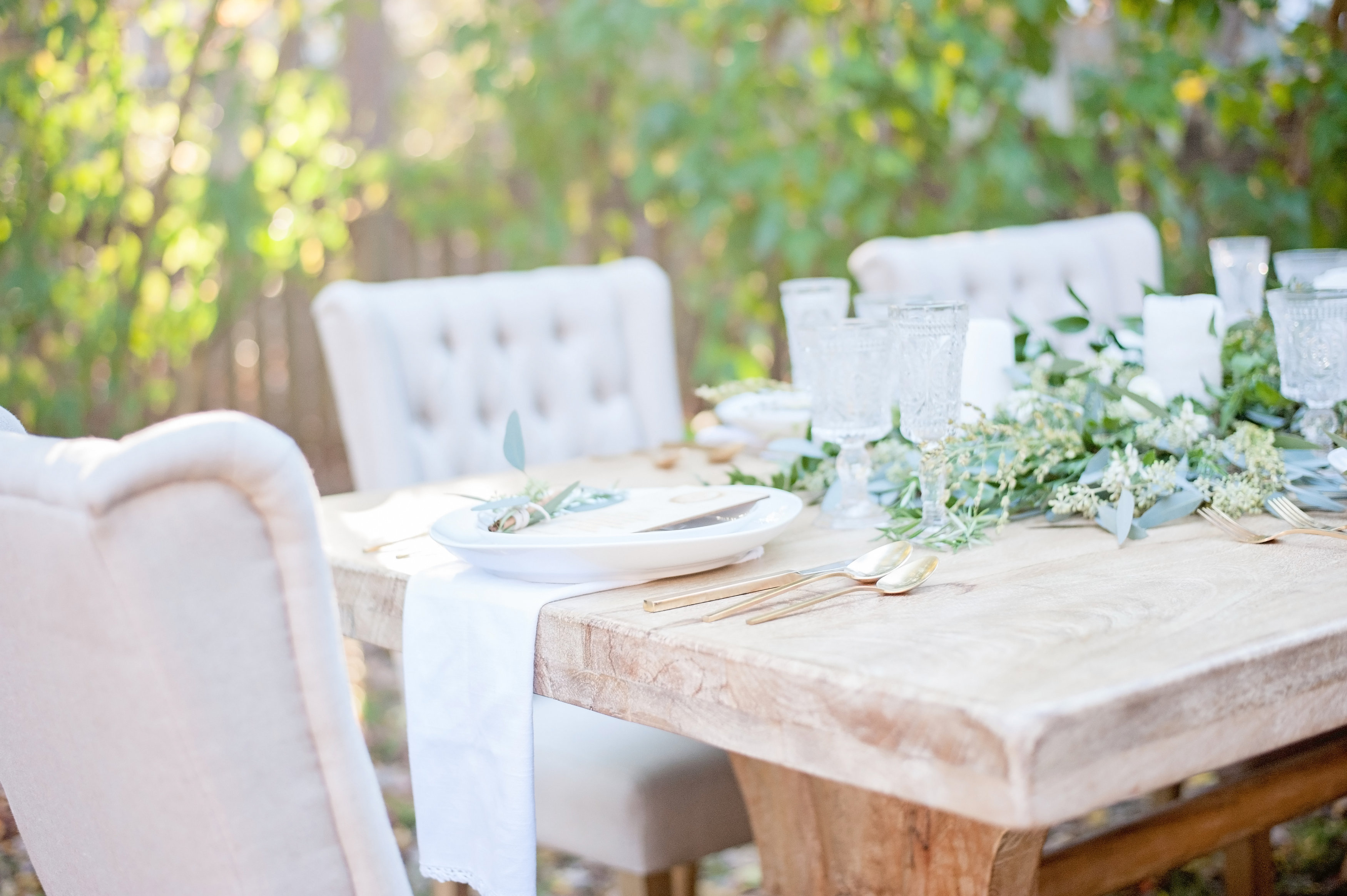 How to Style and Throw a Lush Thanksgiving | Glitter, Inc.Glitter ...