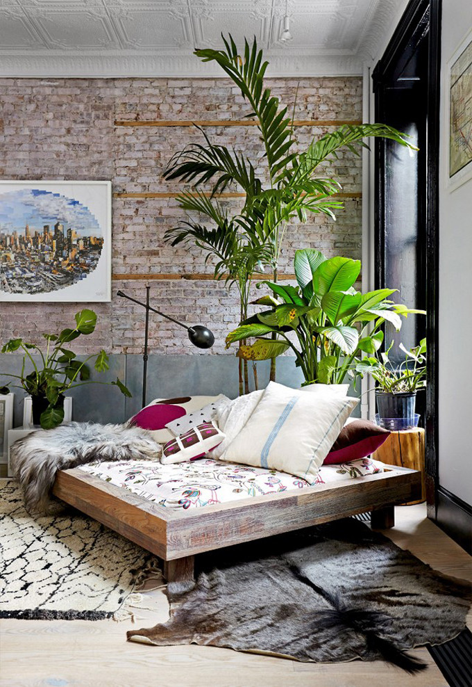 Interior Design Dreaming: The Daybed (plus so many more gorgeous options!) - Tribeca Loft - bohemian daybed