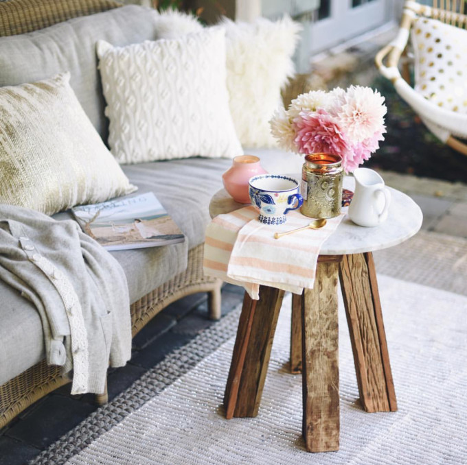 Interior Design Dreaming: The Daybed (plus so many more gorgeous options!) - daybed bohemian patio deck space