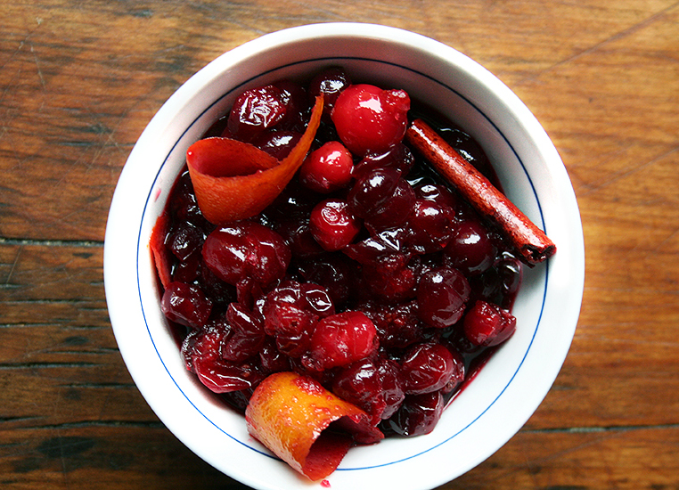 Red Wine Sweet Orange Cranberry Sauce