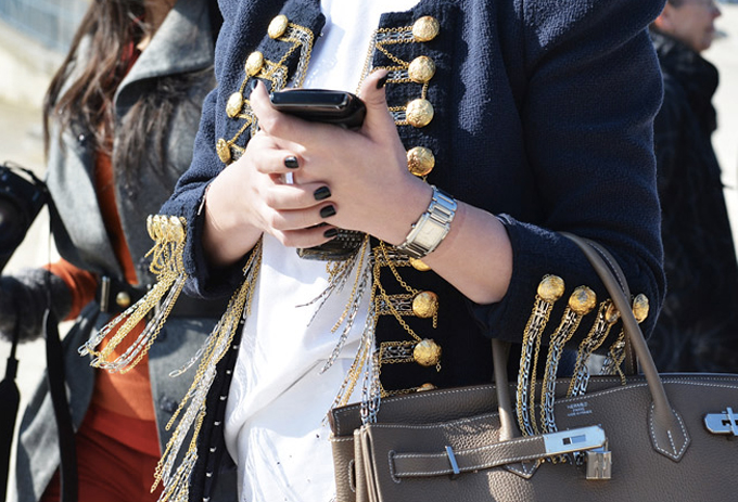 Why You Should Wear Black Nail Polish - Paris Fashion Week Street Style