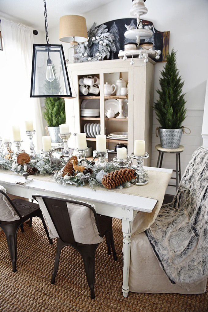 Christmas Dining Room Table for the Holidays