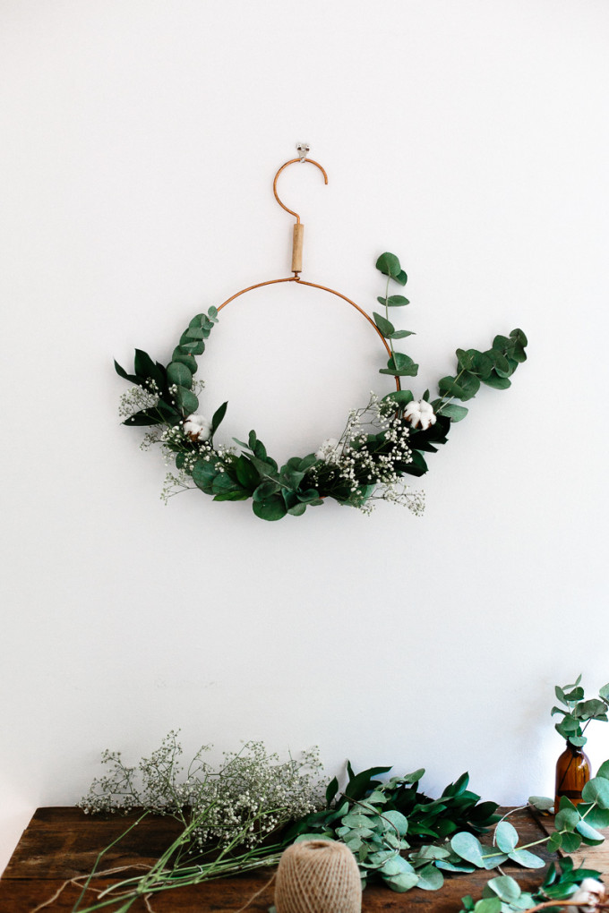 Modern Christmas Hanger Wreath