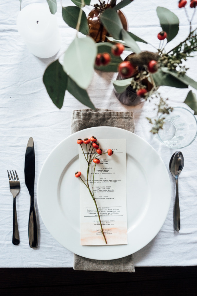 Natural Holiday Table Setting Brunch