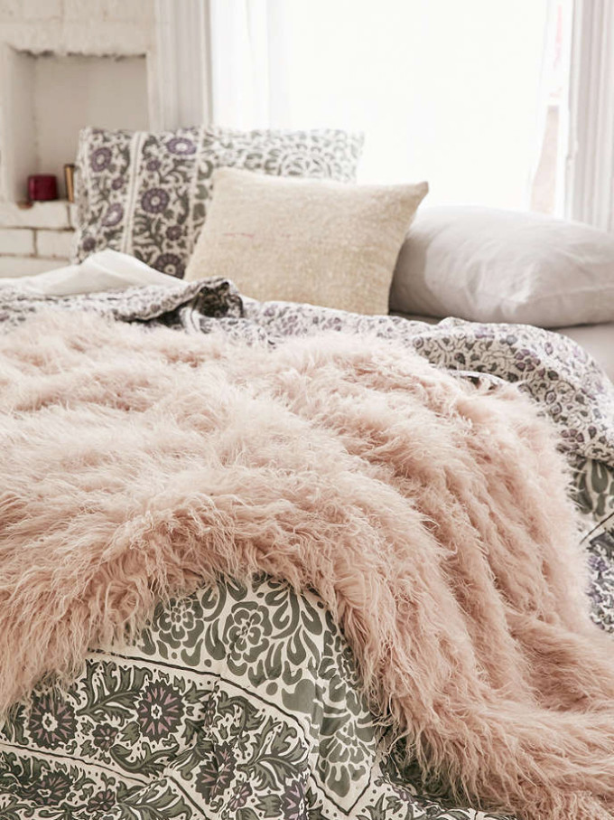 Urban Outfitters Faux Lamb Fur Throw Blanket - Bedroom