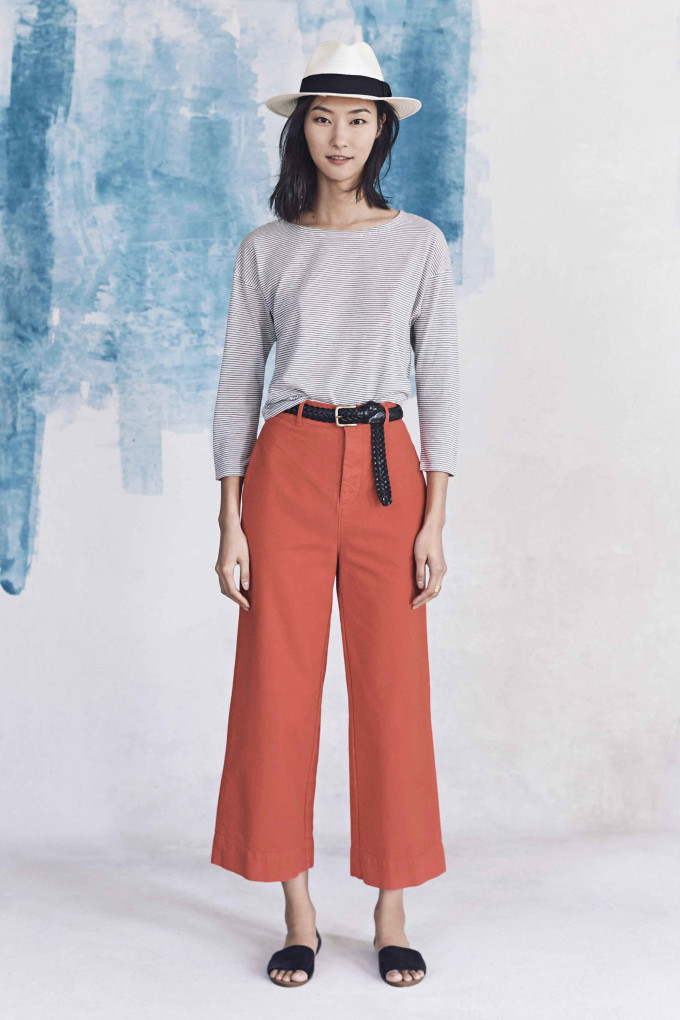 Madewell just released their spring 2016 collection, and trust me, you are going to be clamoring for every single piece. It's just so wearable. - Madewell Spring 2016 Lookbook - Crop Pants
