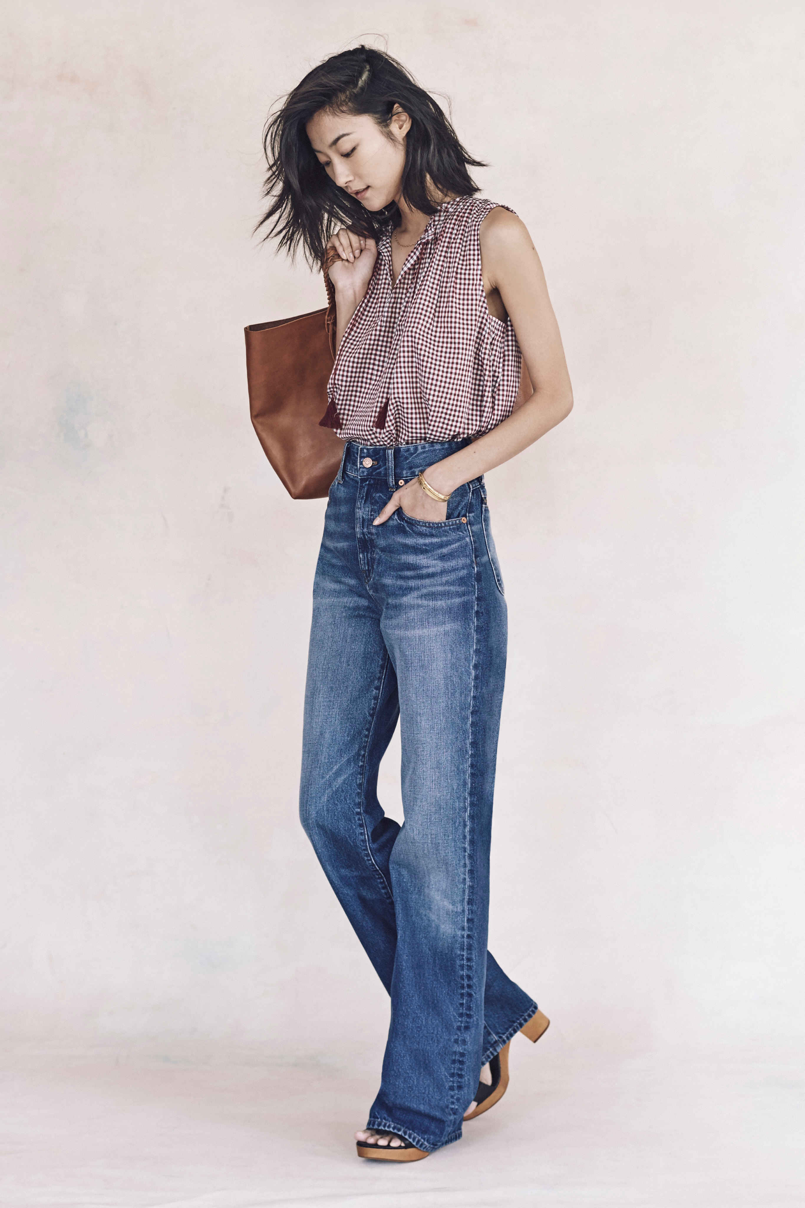 Madewell just released their spring 2016 collection, and trust me, you are going to be clamoring for every single piece. It's just so wearable. - Madewell Spring 2016 Lookbook - Wide Leg Denim