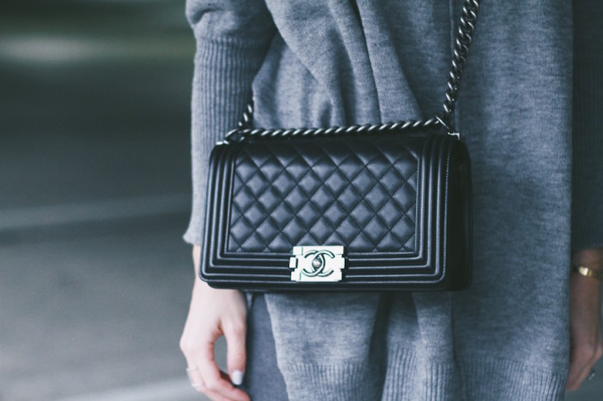 Street Style - Chanel Medium Boy Bag and Grey Sweater