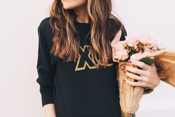 12 Inexpensive Valentine's Day Date Night Ideas (From the Comfort of Your Sofa): Pajama Party - Glitter XO Sweatshirt DIY + Roses (perfect for Valentine's Day!)