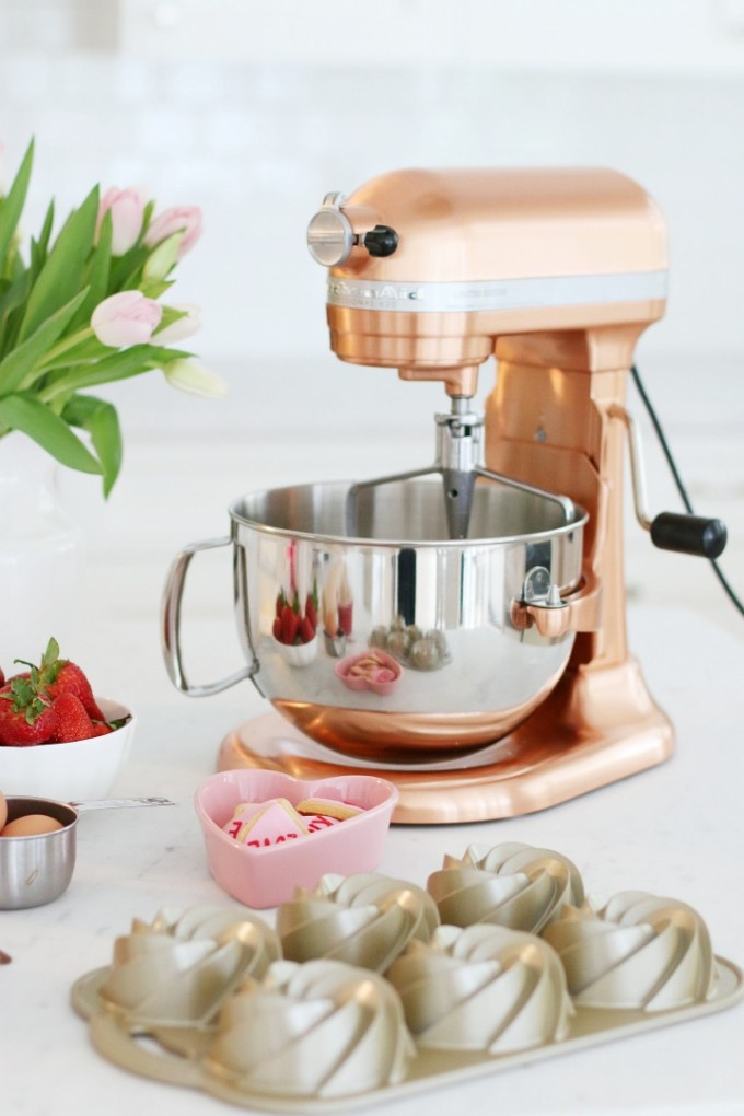 How to Style Copper in the Kitchen: KitchenAid Copper Stand Mixer
