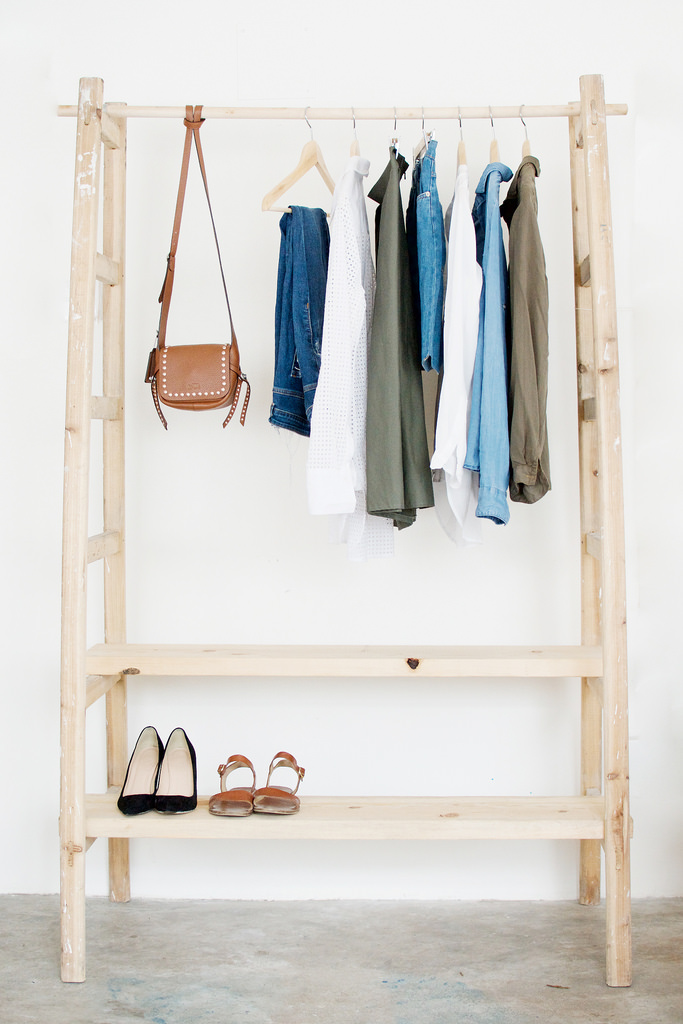 Packing Travel - Clothing Rack