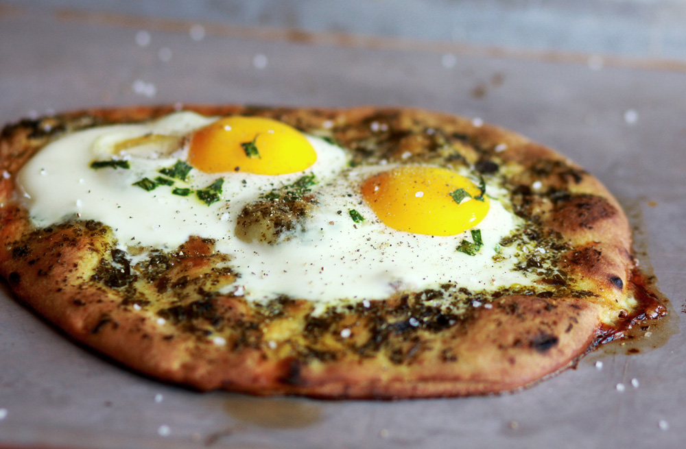 how to cook green egg pizza