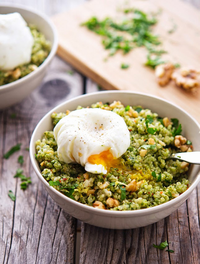 20 Favorite Egg Recipes / Ways to Eat Eggs (for Breakfast, Lunch and Dinner) - Quinoa Kale Pesto Bowl with Poached Eggs