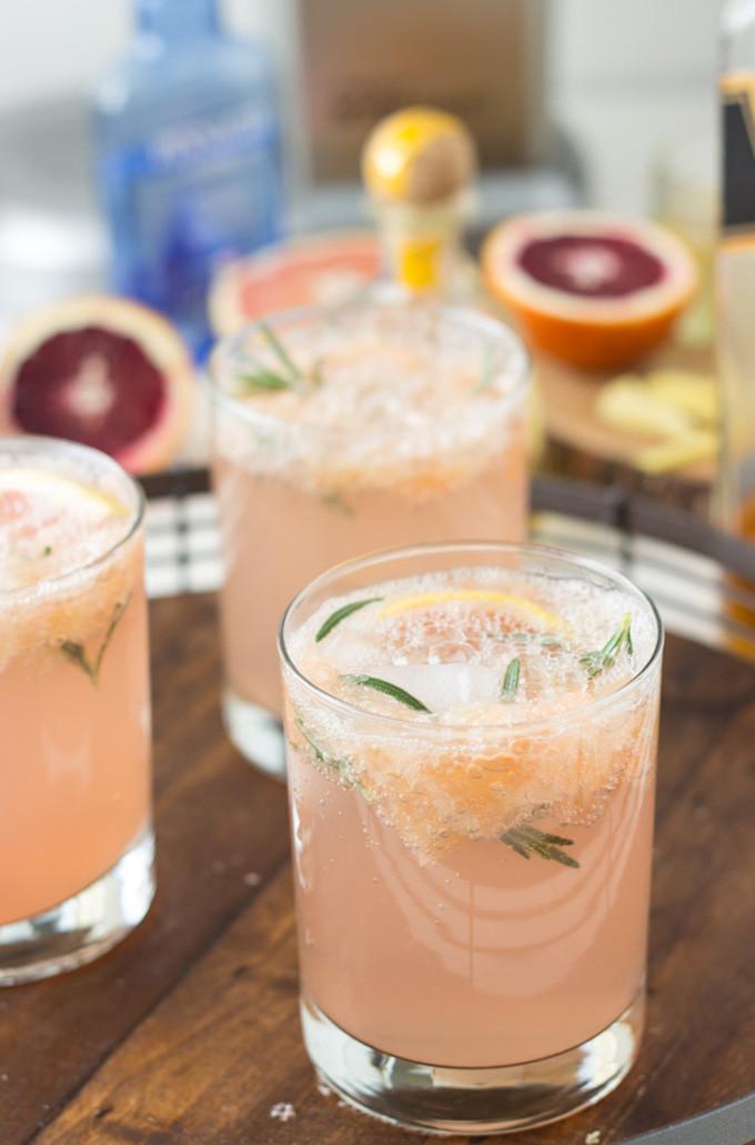 21 Favorite Brunch Recipes (Perfect for Easter!): Sparkling Grapefruit Cocktails