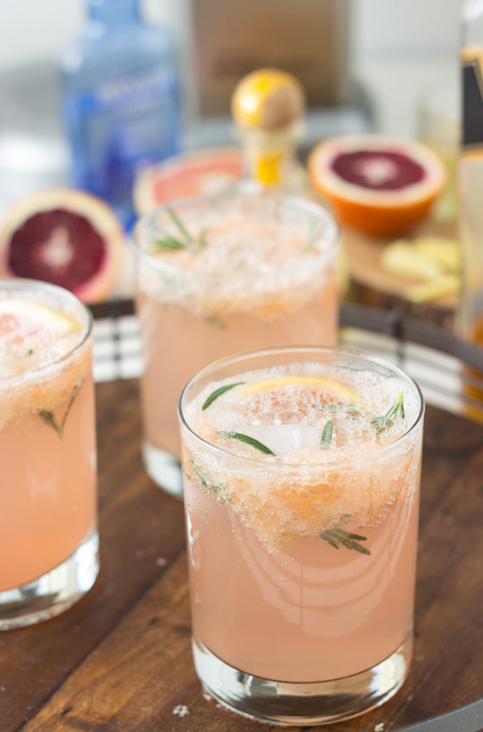 21 Favorite Brunch Recipes (Perfect for Easter!): Sparkling Grapefruit Cocktails