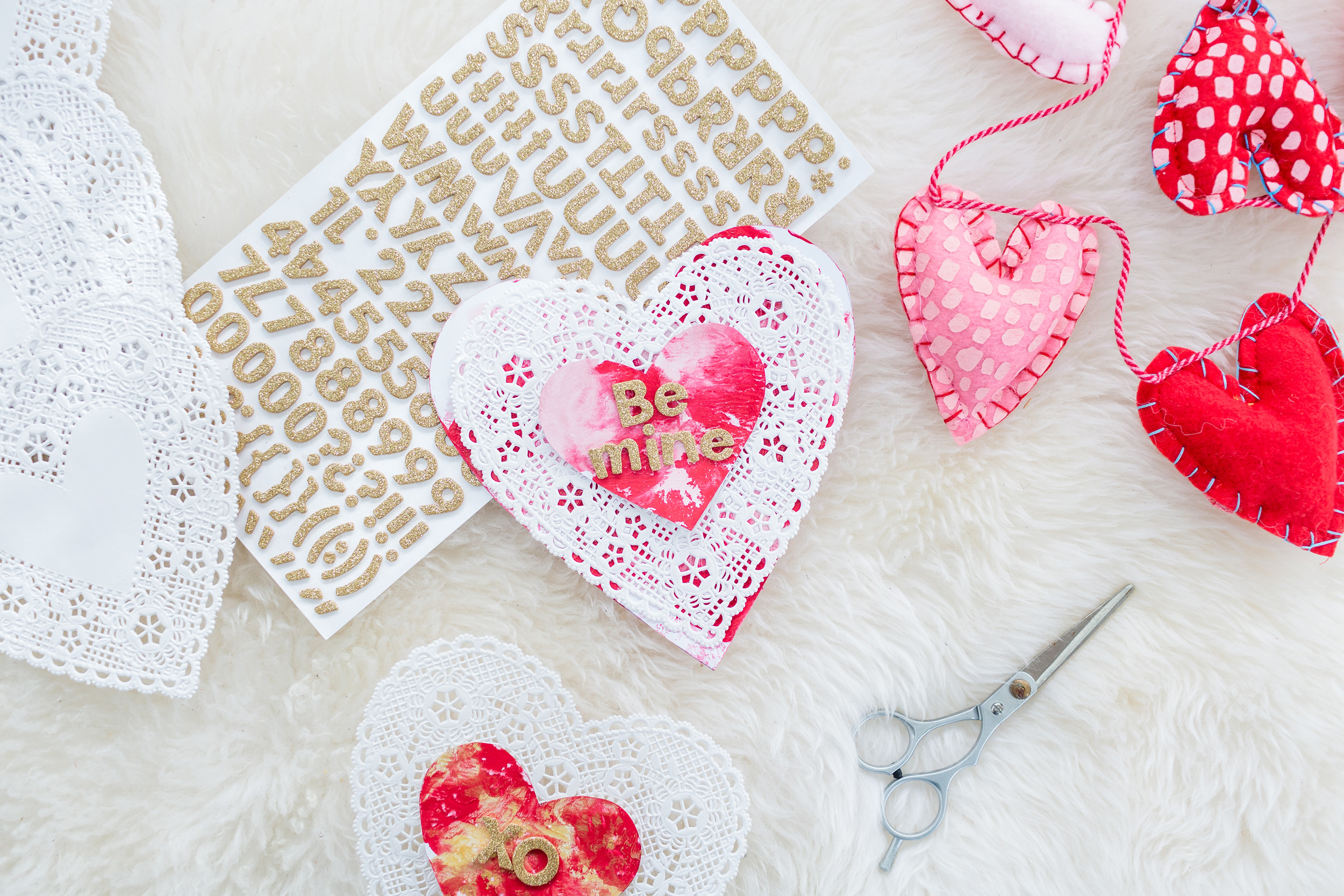 ToddlerFriendly and MessFree DIY Painted Valentines Day – Toddler Valentine Cards