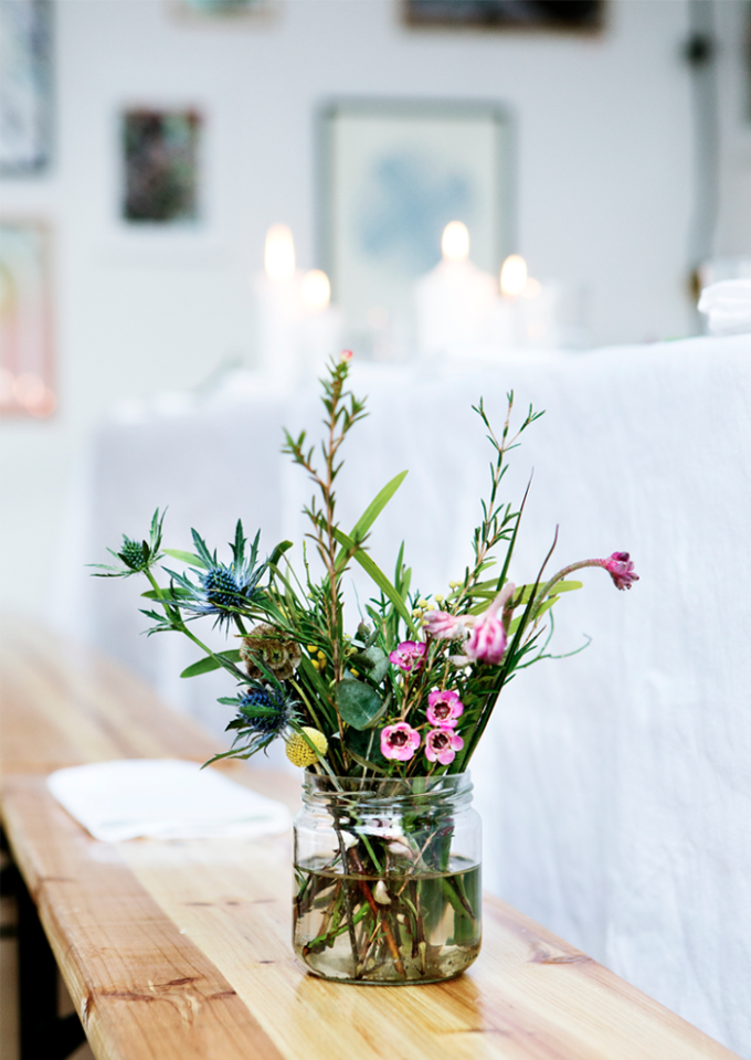 How to make simple diy flower arrangements glitter inc for How to make flower arrangements