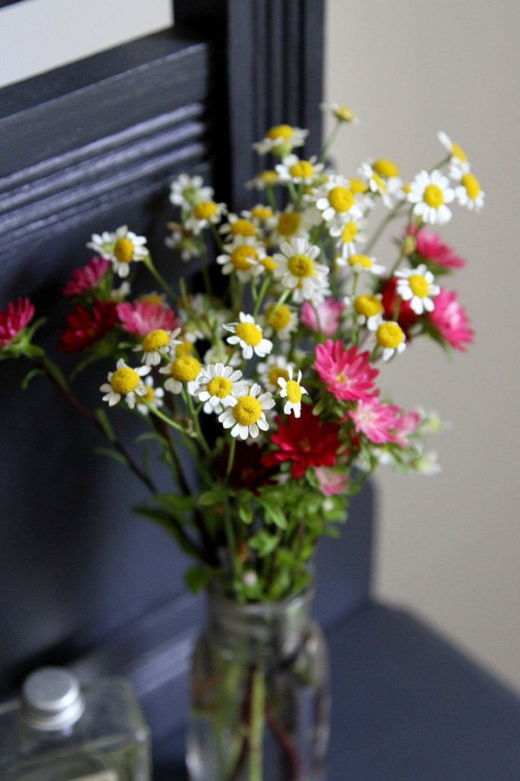 how to make simple diy flower arrangements glitter inc