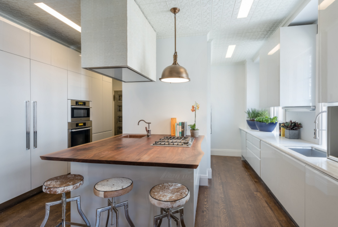 Modern Manhattan Apartment with a Key to Gramercy Park - Eat-In Kitchen