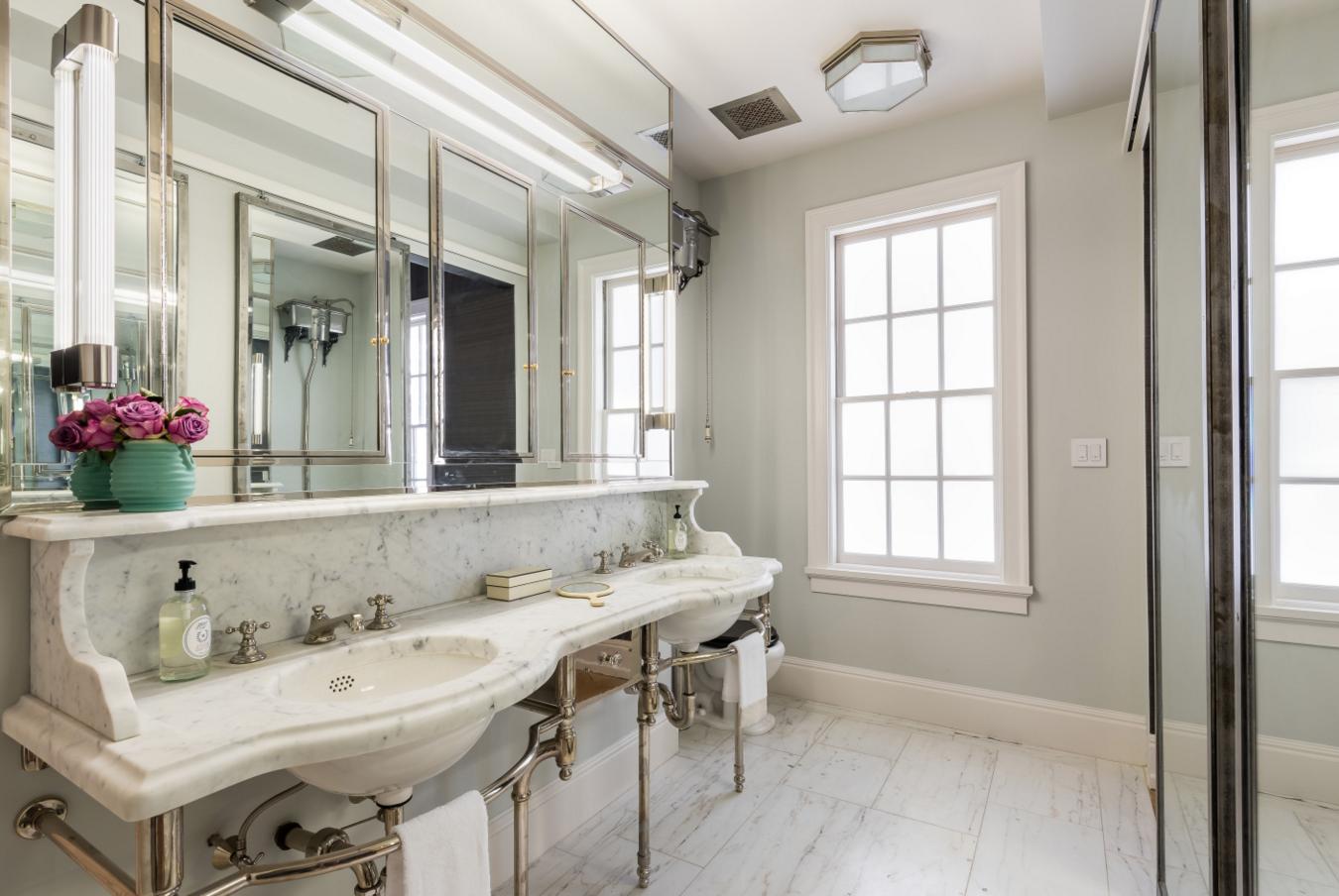 Modern Manhattan Apartment with a Key to Gramercy Park - White Marble Bathroom
