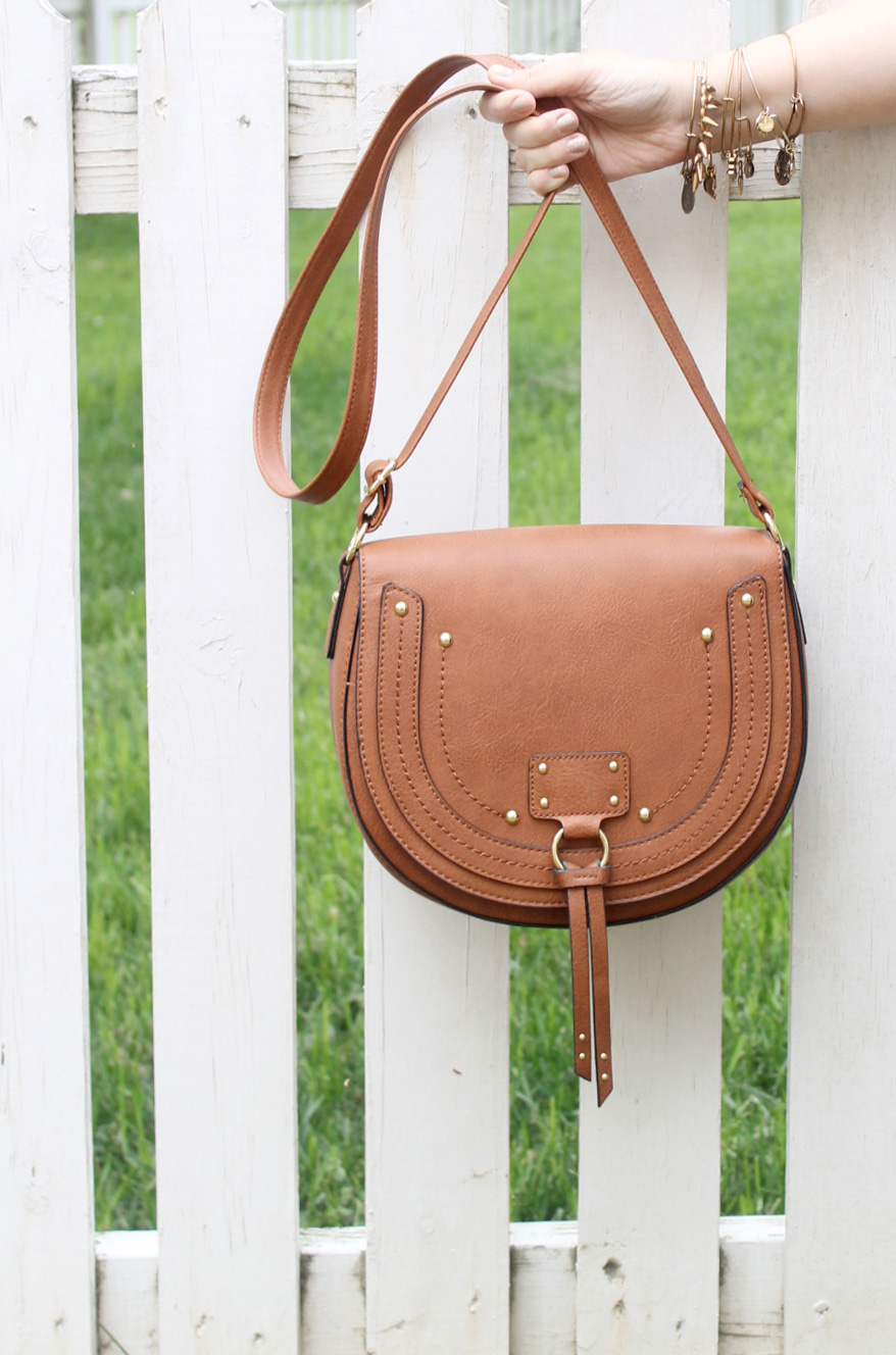 How to Get the Festival Back-to-Nature Beauty Look - Bohemian Saddle Bag