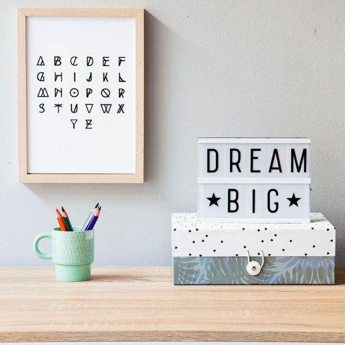 The Coolest Customizable Art: Felt Letter Boards and Black Light Boxes, plus where to buy them. (Dream Big Lightbox)