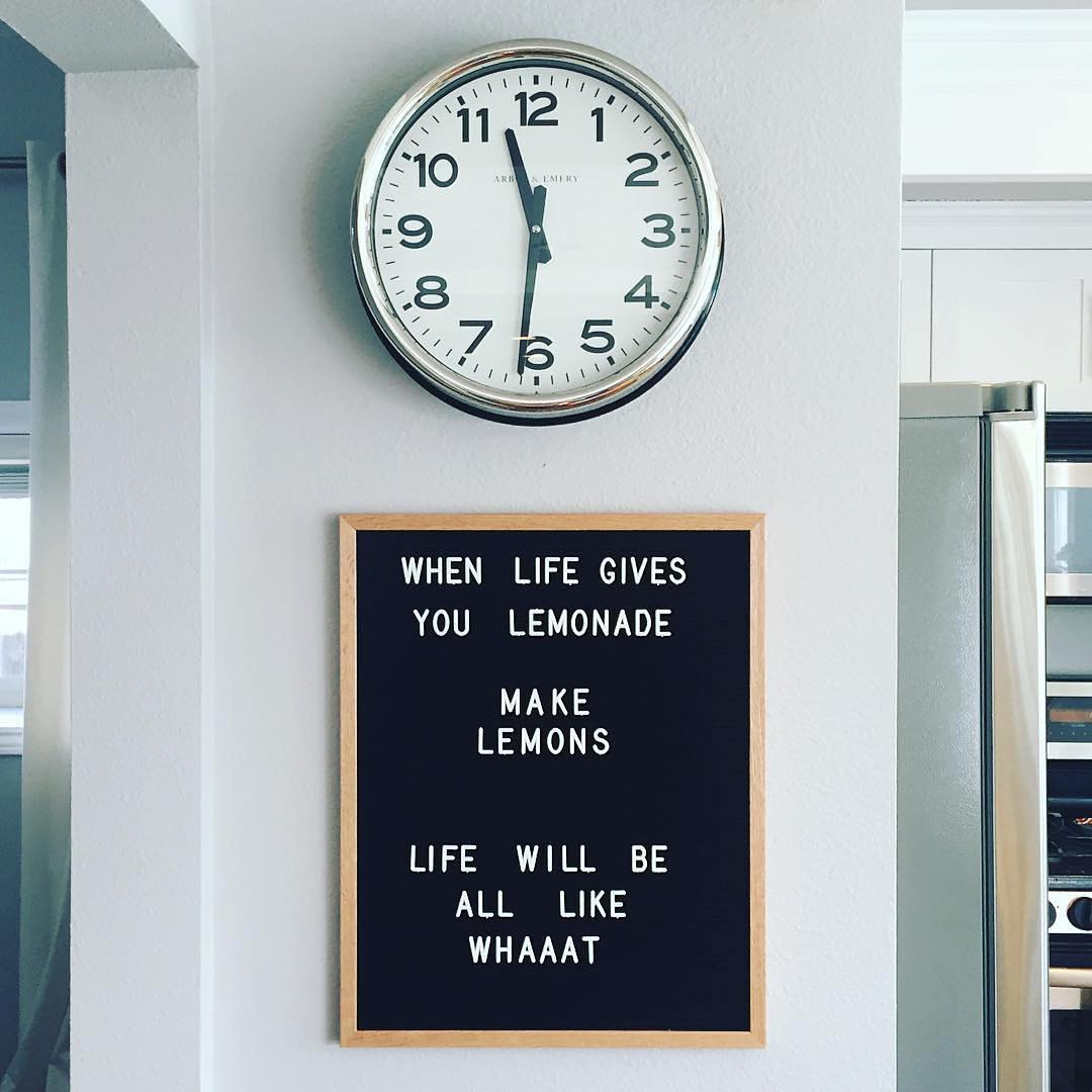 The Coolest Customizable Art: Felt Letter Boards and Black Light Boxes, plus where to buy them. (Life Lemonades Felt Letterboard Sign in the Kitchen)